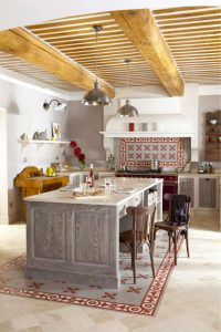 10 charming rustic kitchens