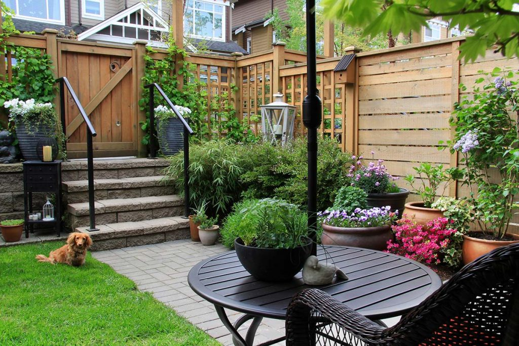 backyard ideas planters