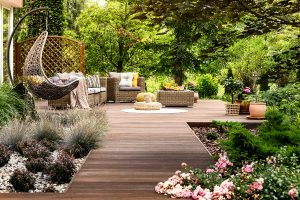 Landscaping Ideas and Do-It-Yourself Landscaping Tips